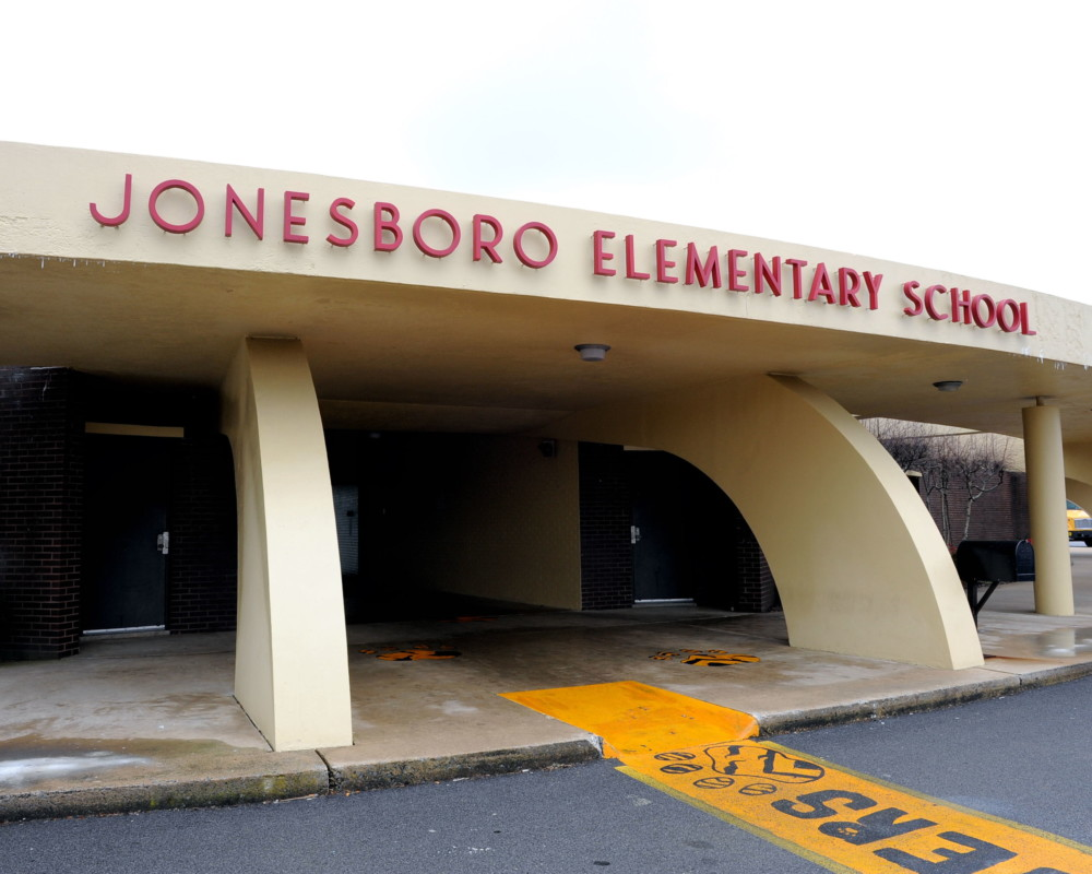 Could taxes be decreased due to Jonesborough School project gridlock