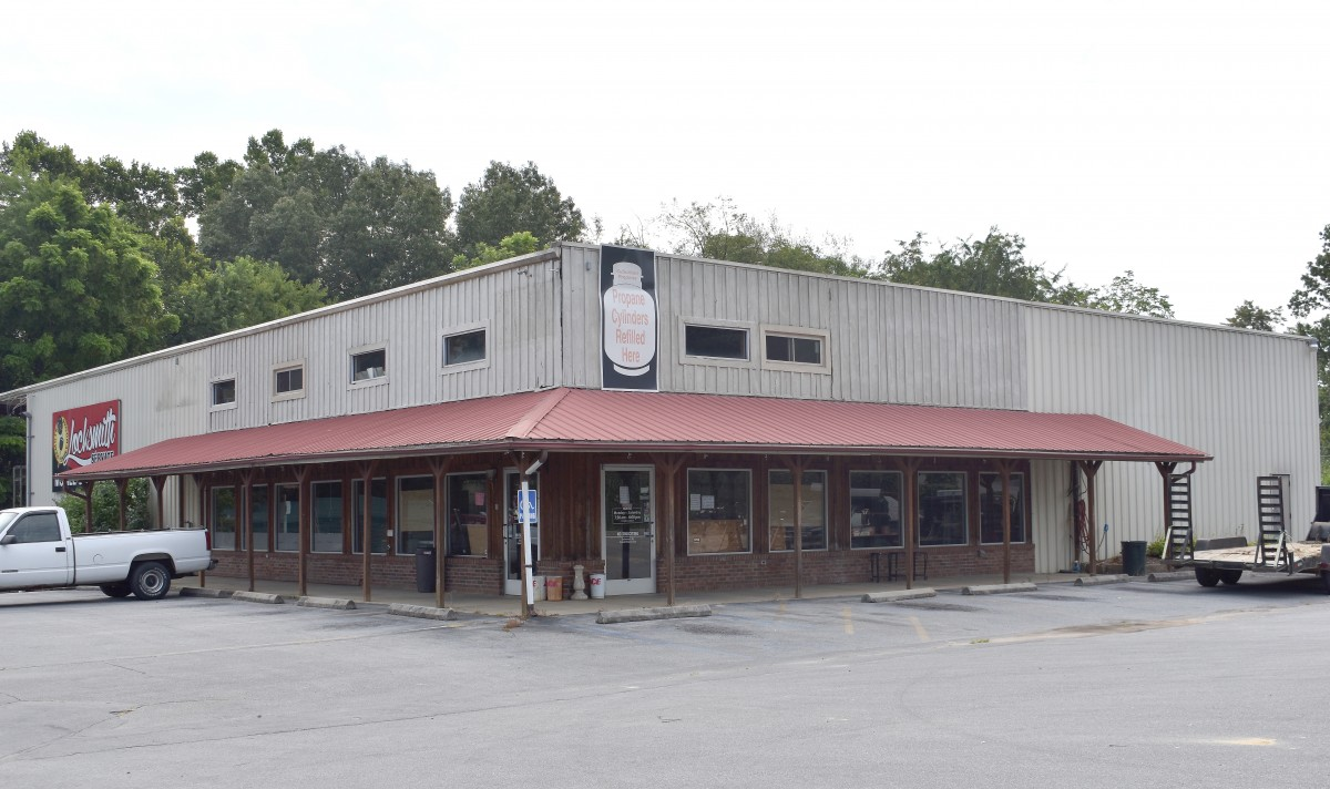County Looks At Former Ace Hardware Building As Possible Clinic Site Herald Tribune Jonesborough Tn